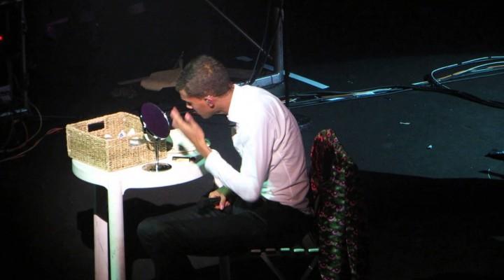 Stromae – Tous les mêmes (Live à Lille le 17/12/2013)